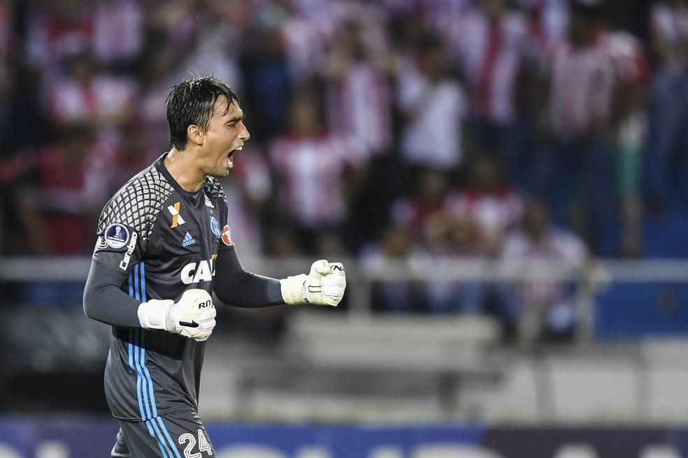 César virou titular na semifinal  (Foto: AFP)