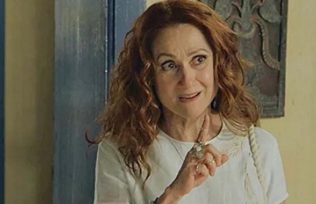 Na quarta-feira (17), Milu (Zezé Polessa) desaparecerá e Elisa (Giullia Buscacio) ficará em pânico (Foto: TV Globo)