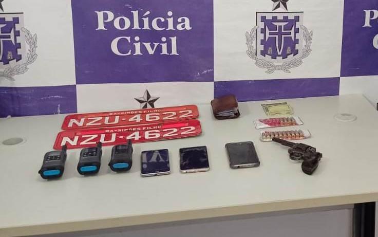 Homem investigado por transportar armas e munições para facção criminosa é preso em Simões Filho