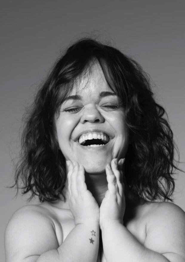 Juliana Caldas posa para projeto de nu artístico (Foto: Reprodução/Instagram)