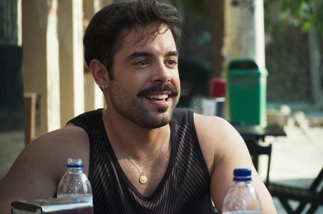 Pedro Carvalho é Abel em 'A dona do pedaço' (Foto: Reprodução)