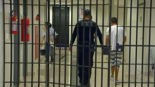 Polícia Civil faz operação contra tráfico de drogas e jogos de azar na região de Rio Preto