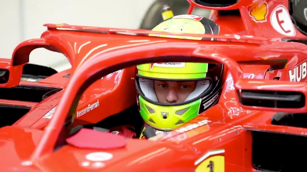 Mick Schumacher no cockpit da Ferrari em Fiorano — Foto: Reprodução/Ferrari