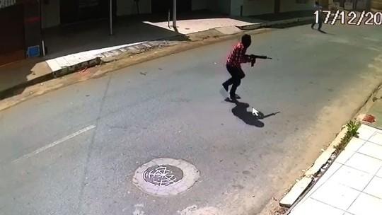 Homens armados com fuzil atiram contra casa de agentes penitenciários em Fortaleza