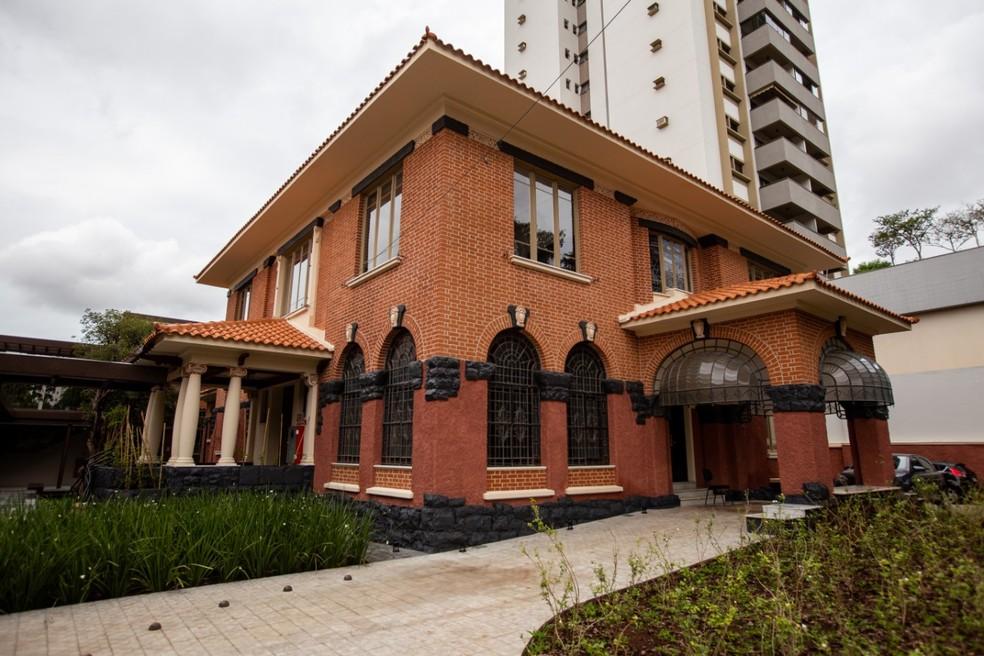 Casarão histórico foi restaurado para abrigar a nova Biblioteca Sinhá Junqueira, em Ribeirão Preto (SP) — Foto: Weber Sian/ACidadeOn