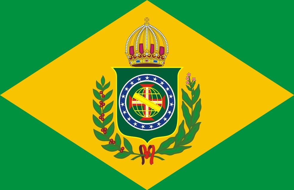 Bandeira Imperial do Brasil deveria ser hasteada em escolas, segundo lei. (Foto: Reprodução)