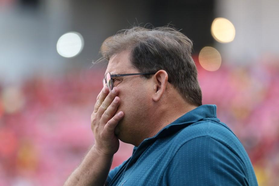 Após queda na Copa do Brasil, Guto Ferreira deixa comando técnico do Sport
