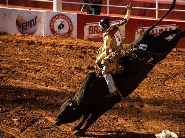 Vitor Lambert Rodrigues foi o terceiro competidor a entrar na Arena (Foto: Mateus Rigola/G1)