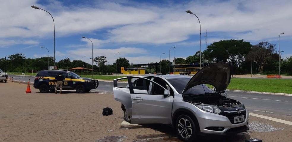 Carro recuperado pela PRF — Foto: PRF / Divulgação