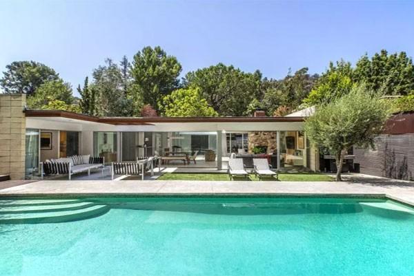 Jamie Dornan colocou à venda sua mansão em Los Angeles por US$ 3,195 milhões (Foto: Reprodução)