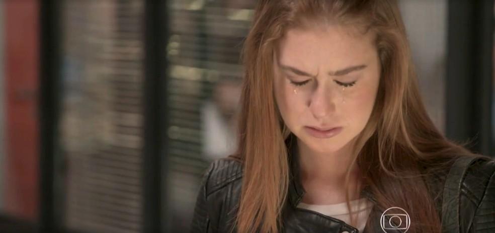 Eliza sofre com resposta de Jonatas — Foto: TV Globo