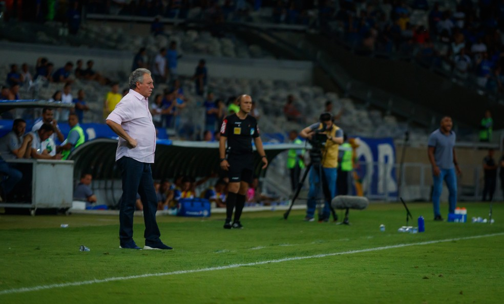 Abel Braga durante Cruzeiro x Bahia — Foto: Vinnicius Silva/Cruzeiro