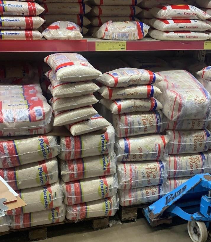 Produtos vencidos são encontrados à venda pelo Procon em supermercado de Ituiutaba