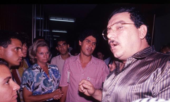 A presidente da Câmara, Regina Gordilho, Chico Alencar e Jorge Pereira discutem sobre a ocupação de gabinetes