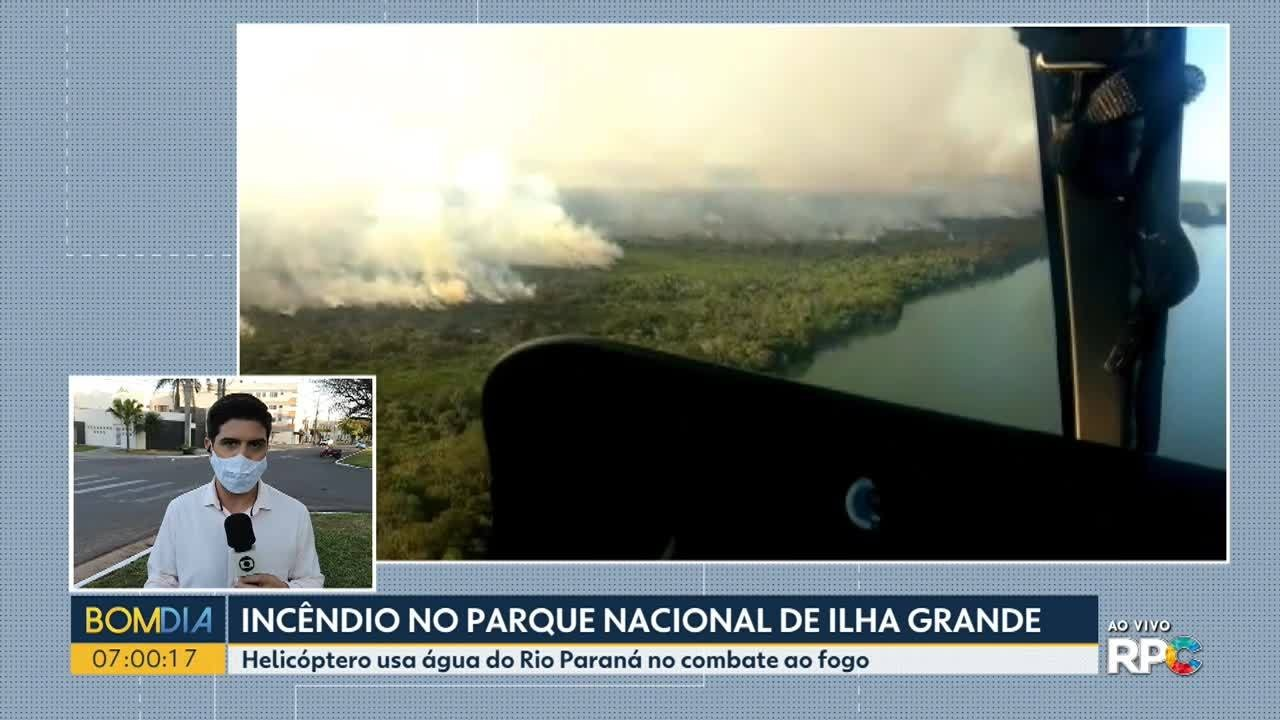 Bombeiros usam helicópteros para combate às chamas no Parque de Ilha Grande