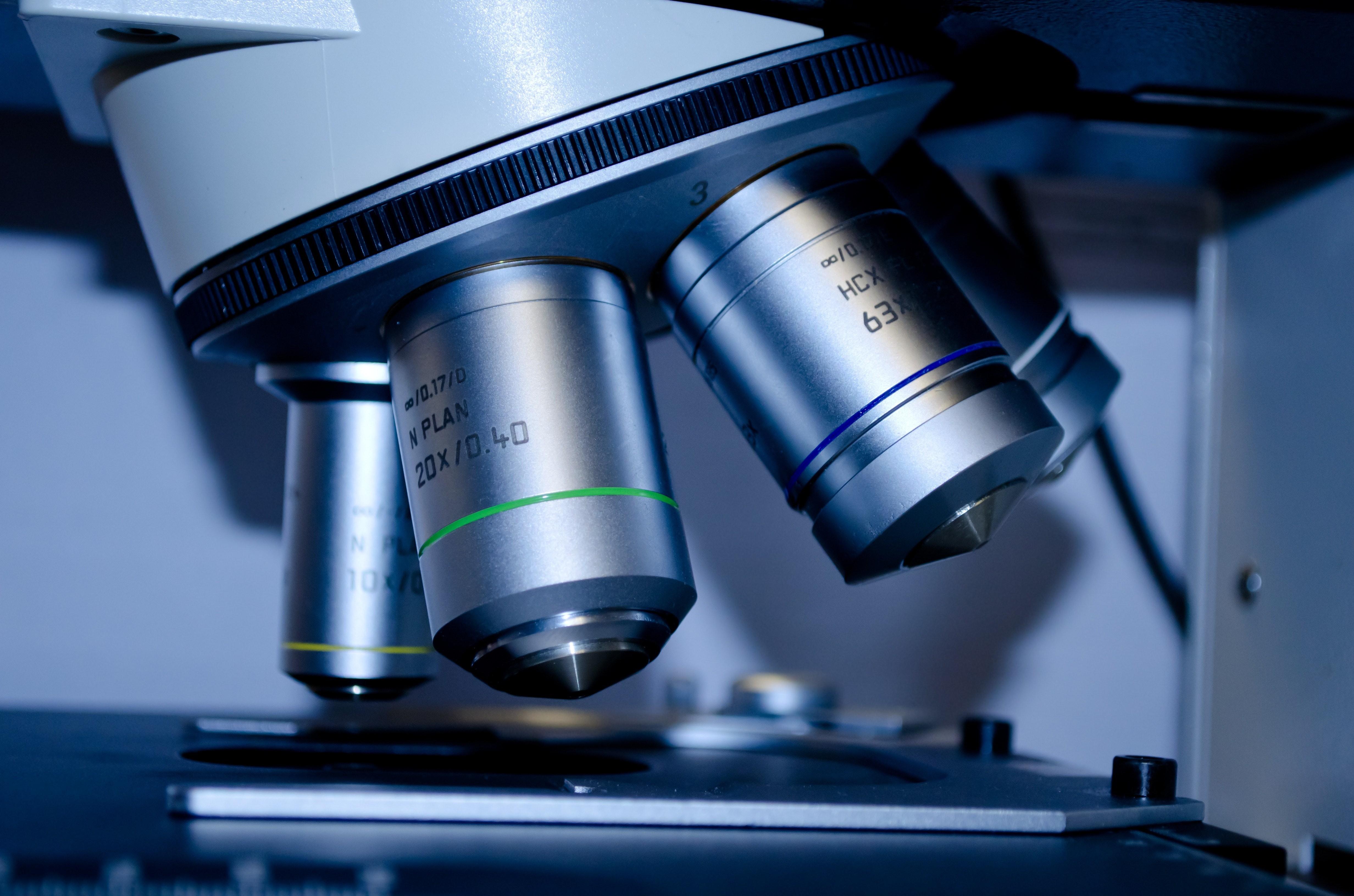 Microscópio (Foto: Pexels)