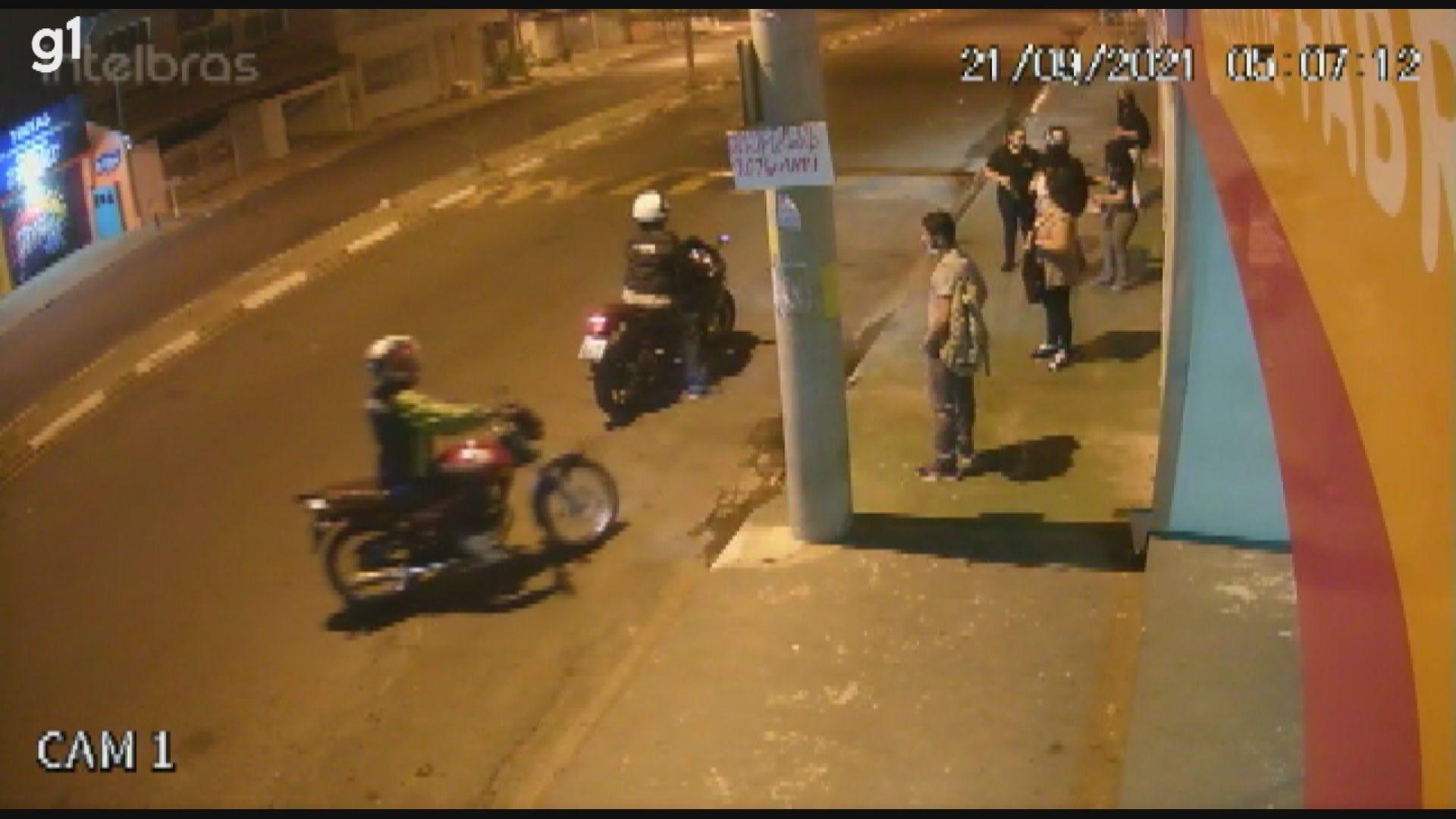 Vídeo flagra ação de criminosos em ponto de ônibus de Sumaré