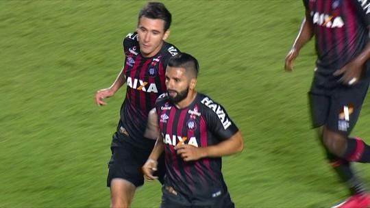 Os gols de São Paulo 2 x 2 Atlético-PR pela 4ª fase da Copa do Brasil