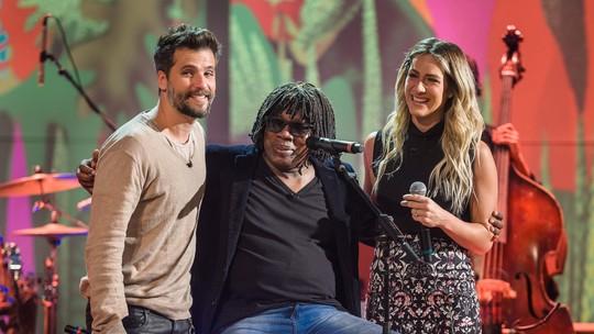 Bruno Gagliasso e Giovanna Ewbank fazem dueto com Milton Nascimento e 'emocionam' a web