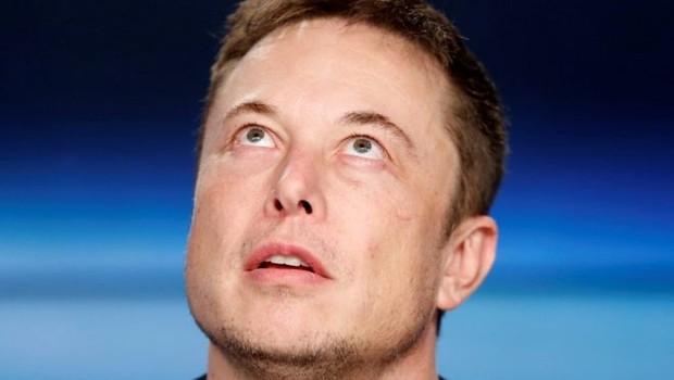 """Elon Musk disse que ataques contra o mergulhador foram postados em momento de """"raiva"""" (Foto: Reuters via BBC)"""