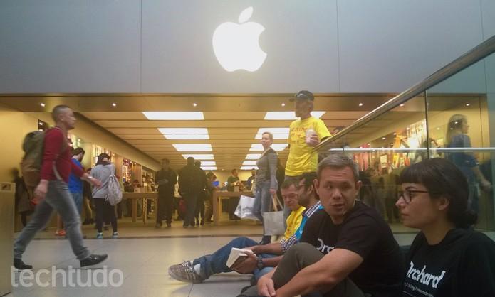 Primeiros da fila do iPhone 6 não estão interessados no novo smartphone (Foto: Elson de Souza/TechTudo)