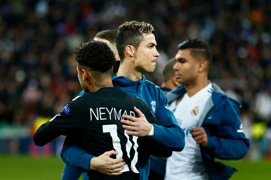 """Cristiano Ronaldo diz que gosta de ver Neymar jogar e afirma: """"Acho que vai ficar em Paris"""""""