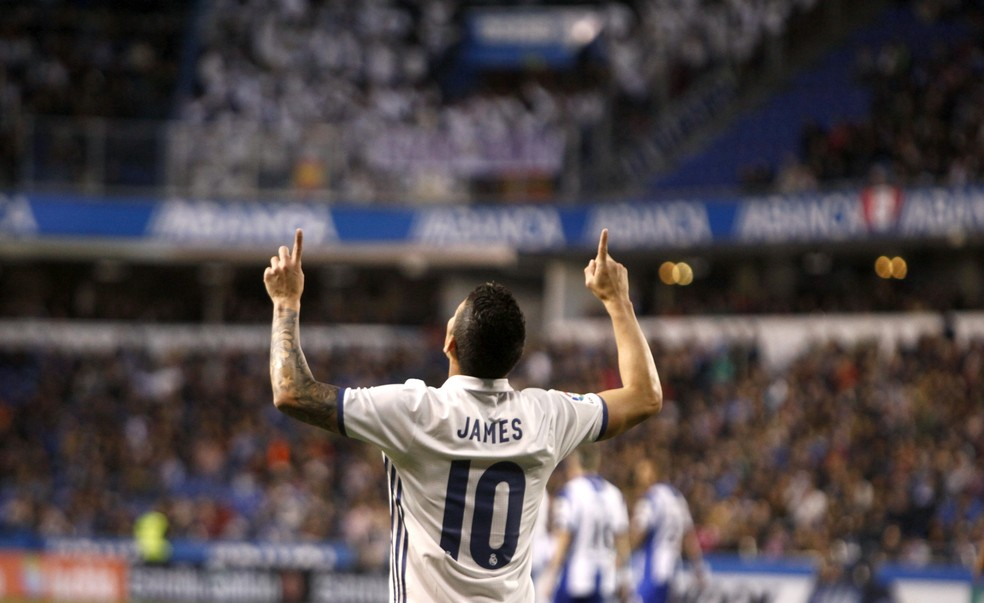 James Rodríguez vestia a camisa 10 do Real Madrid até a temporada passada (Foto: Calabar/EFE)