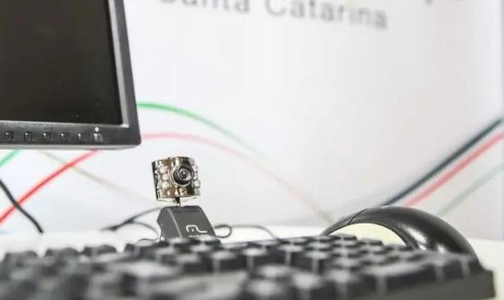 Equipamentos para videoconferência — Foto: Diorgenes Pandini/ NSC