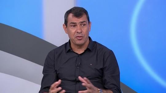 """Fábio Carille explica interesse do Corinthians na contratação de Luan: """"Pode fazer quatro funções"""""""