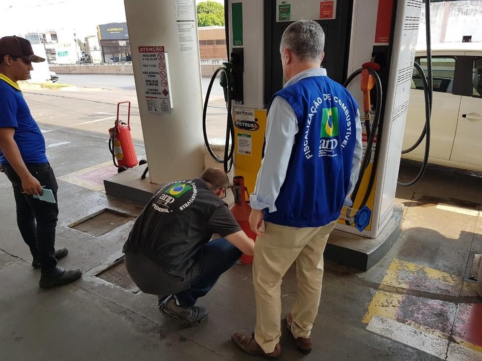 Oito postos de combustível foram flagrados com irregularidades em Cuiabá e Várzea Grande — Foto: Polícia Civil de Mato Grosso/Assessoria