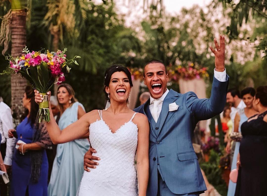 Jornalista  Thiago Oliveira se casou com a publicitária Yasmin Calil (Foto: Reprodução / Instagram)