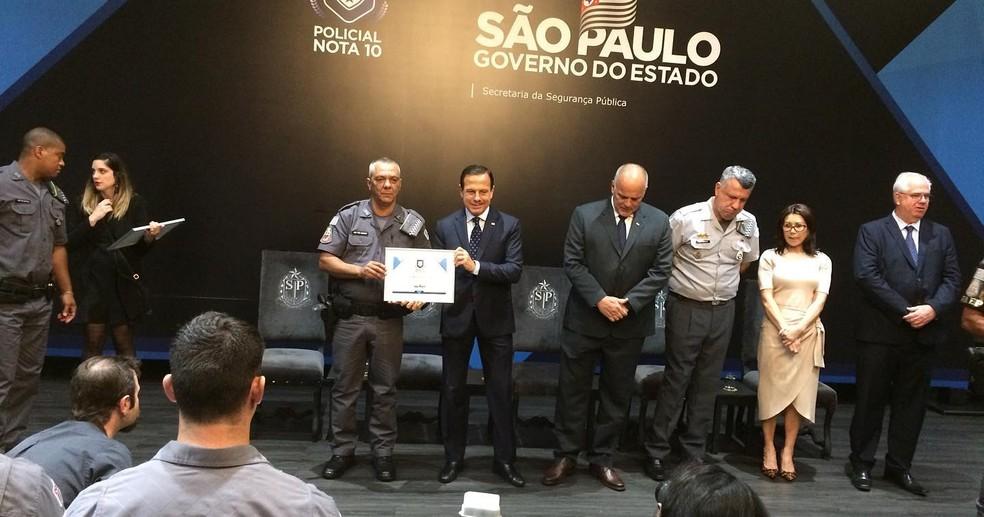 Policiais militares foram homenageados nesta quarta-feira (13) — Foto: Divulgação