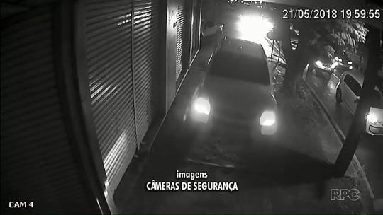 Motorista invade calçada durante perseguição policial em avenida de Maringá; vídeo