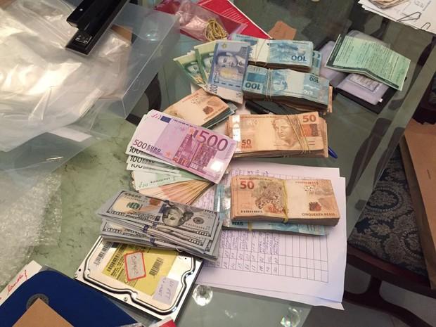 Dinheiro foi apreendido com Gil Bueno, superintendente regional do Mapa (Foto: Arquivo Pessoal)