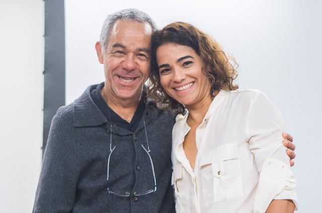 Fernando Sampaio e Luciana Lima prestigiam evento em homenagem a Domingos Montagner (Foto: Rede Globo / Raquel Cunha)