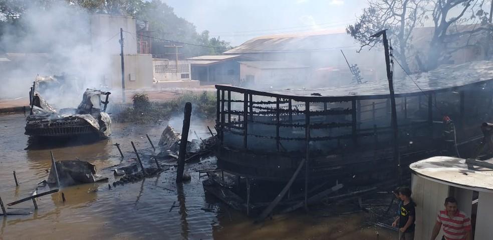 Barco explode no Rio Amazonas e fogo atinge outras embarcações, no Amapá â?? Foto: John Pacheco/G1
