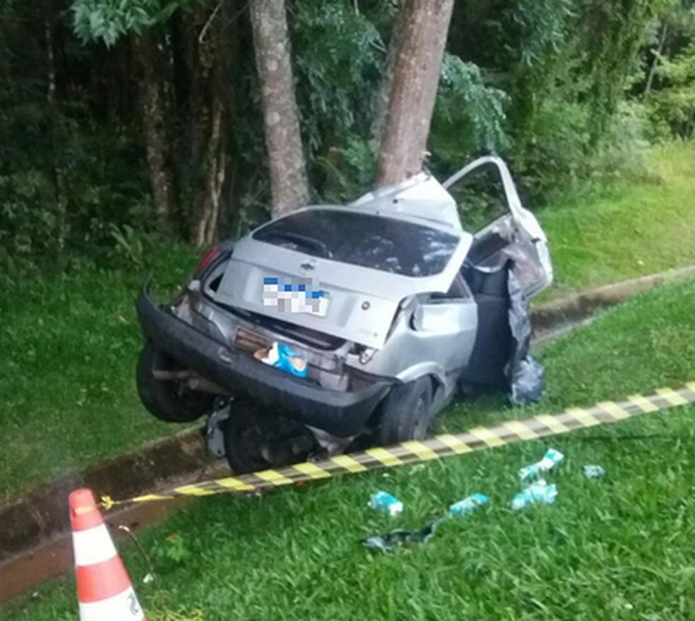 Pai e filha morrem em acidente na BR 376, em Ponta Grossa — Foto: Divulgação/PRF
