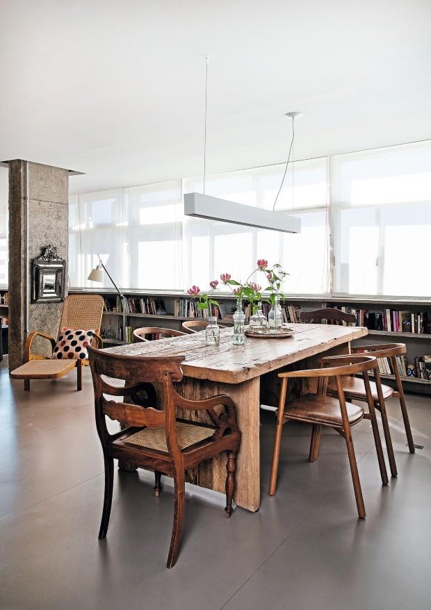 Sala de jantar de apartamento em São Paulo, reformado pelo arquiteto Gustavo Calazans (Foto: Cacá Bratke / Editora Globo)