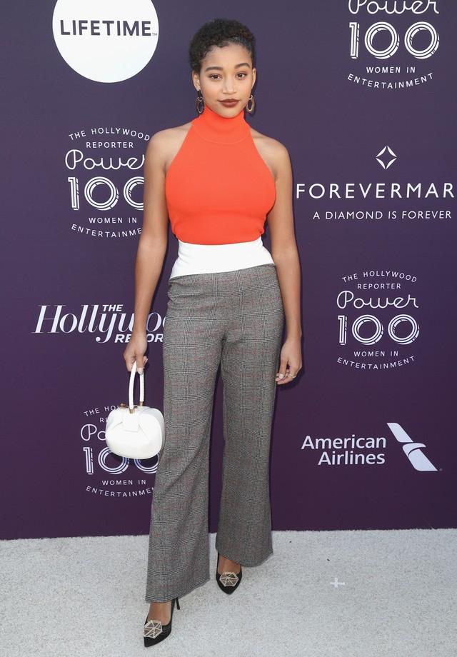 A atriz no tapete vermelho do The Hollywood Reporter's 2017  (Foto: Getty Images)