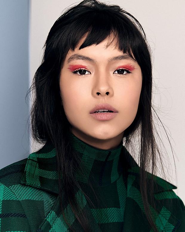 Beleza delineador - Formas orgânicas e imperfeitas  são a tendência de maquiagem para pálpebras (Bazer e Body Coven) (Foto: Michael Willian)