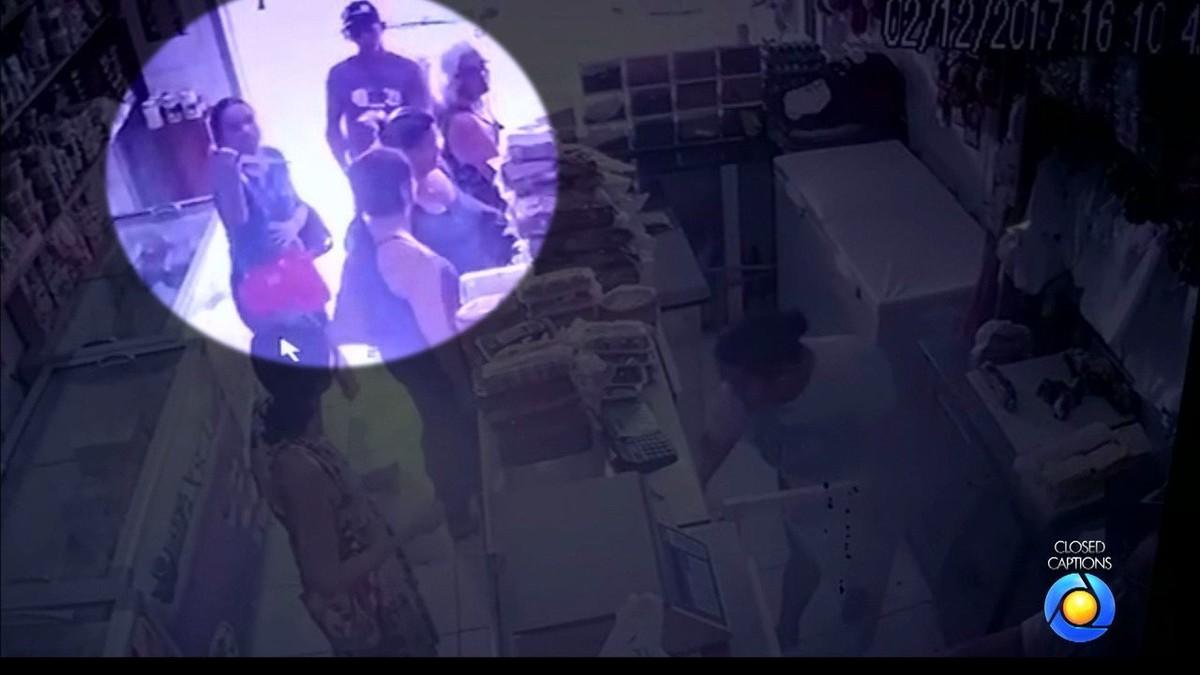 Mulher e homem assaltam loja de queijos armados com faca e pistola na PB; vídeo