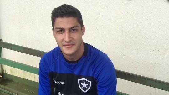 """#tbt no Botafogo? Marcinho espera reviver aquela quinta-feira: """"Vou ficar mais do que feliz"""""""