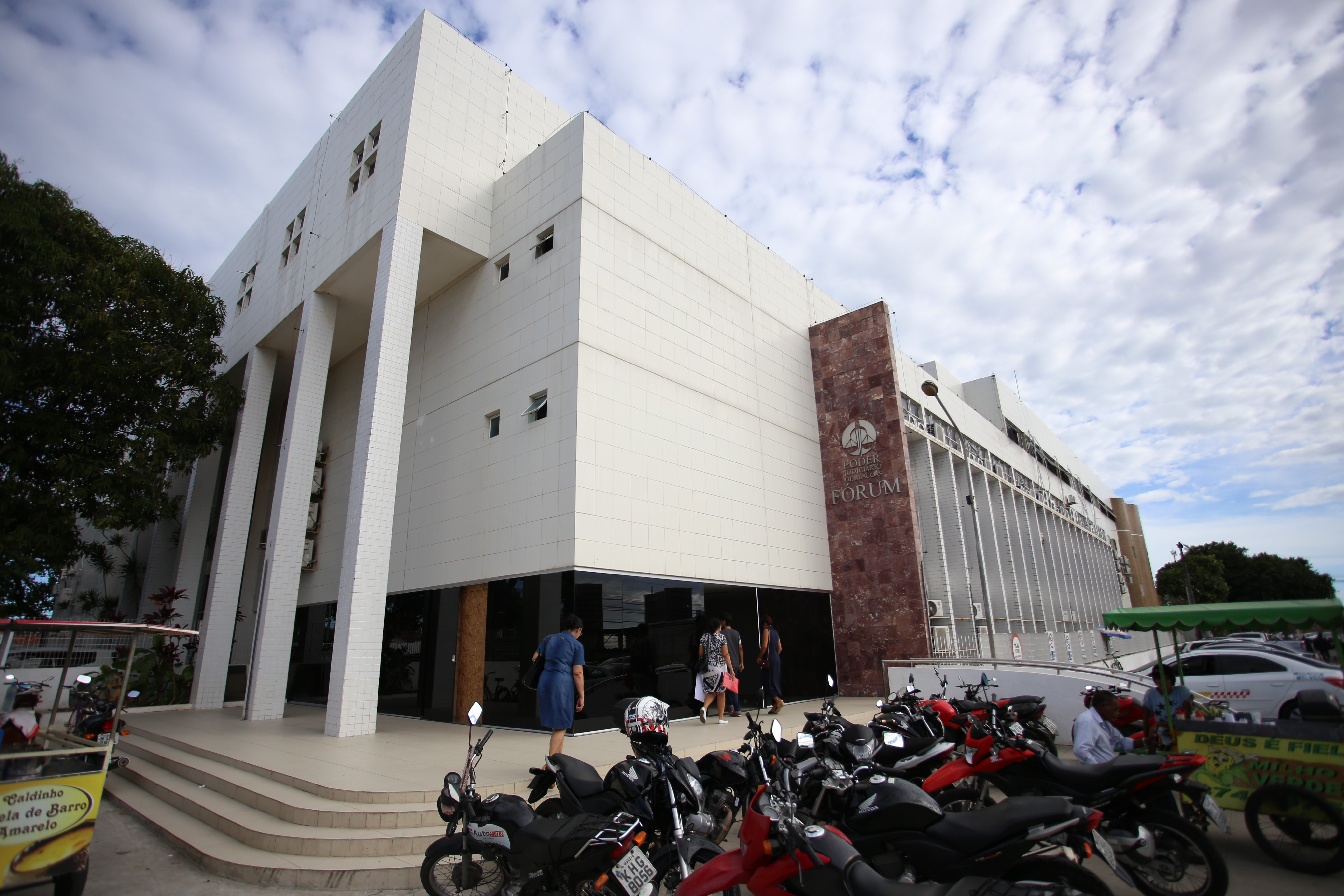 Acusada de mandar matar médico vai a júri popular 12 anos após o crime em Maceió - Notícias - Plantão Diário