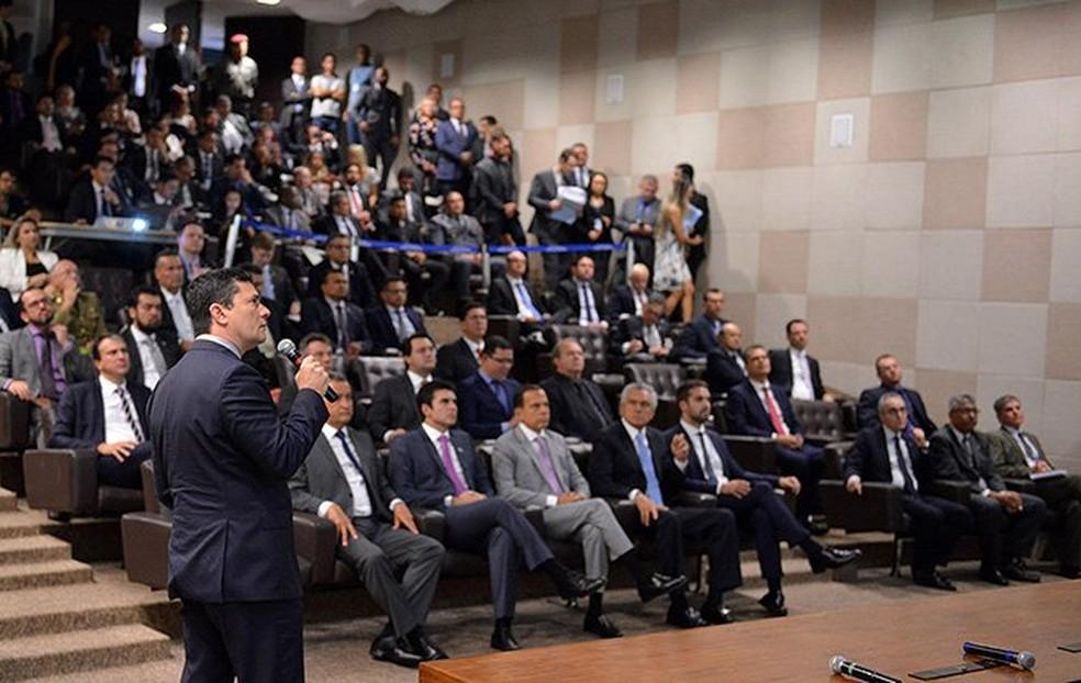 Moro apresentou projeto anticorrupção e antiviolência em reunião com governadores em Brasília — Foto: Divulgação/Ministério da Justiça
