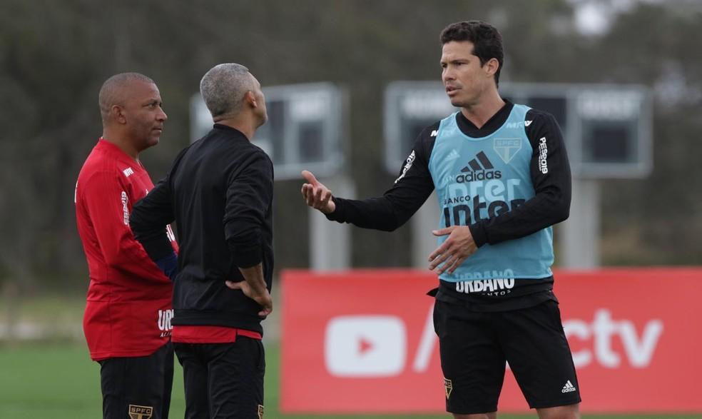 Hernanes em treino do São Paulo na Flórida — Foto: Rubens Chiri / saopaulofc.net