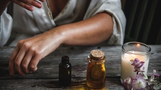 Aromaterapia para mães e bebês: óleos essenciais trazem benefícios