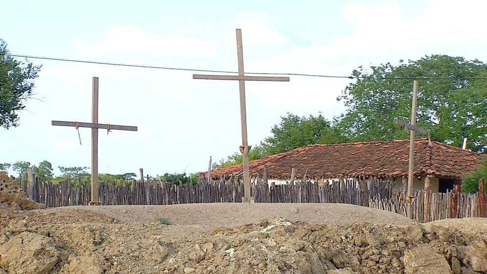 Moradores preparam encenação da Paixão de Cristo, no interior do RN (Foto: Reprodução/Inter TV Costa Branca)