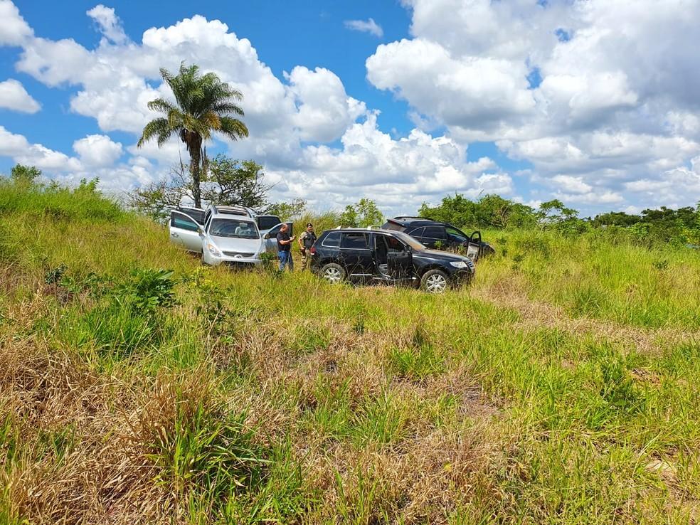 Polícia localizou veículos usados no crime em Mococa — Foto: Polícia Civil