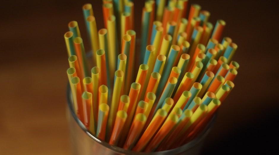 Canudos de plástico: São Paulo também proibiu o produto (Foto: Pexels)