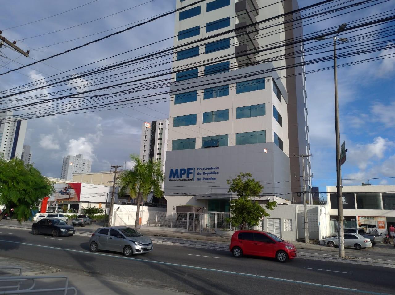 MPF investiga ocupação ilegal em área pública perto de linhas de transmissão de energia, na PB
